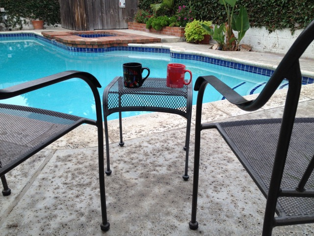 Pool 2 mugs 2 chairs